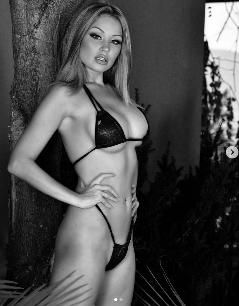 Elyse Jean foto bikini