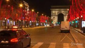 Capodanno, le strade deserte di Parigi