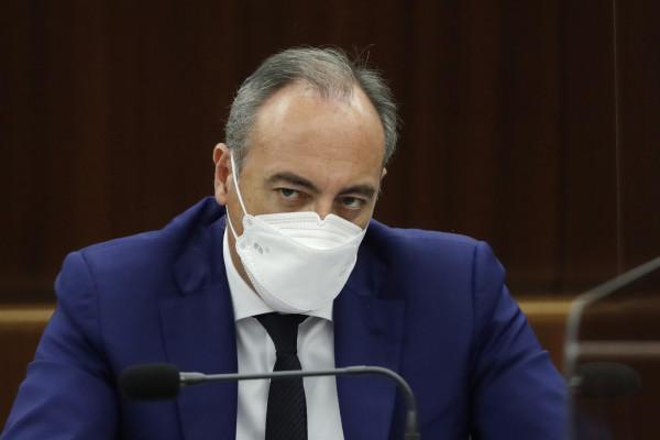 Giulio Gallera in Consiglio regionale a Milano