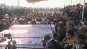 Pakistan, sciiti protestano contro uccisione minatori da parte dell'Isis