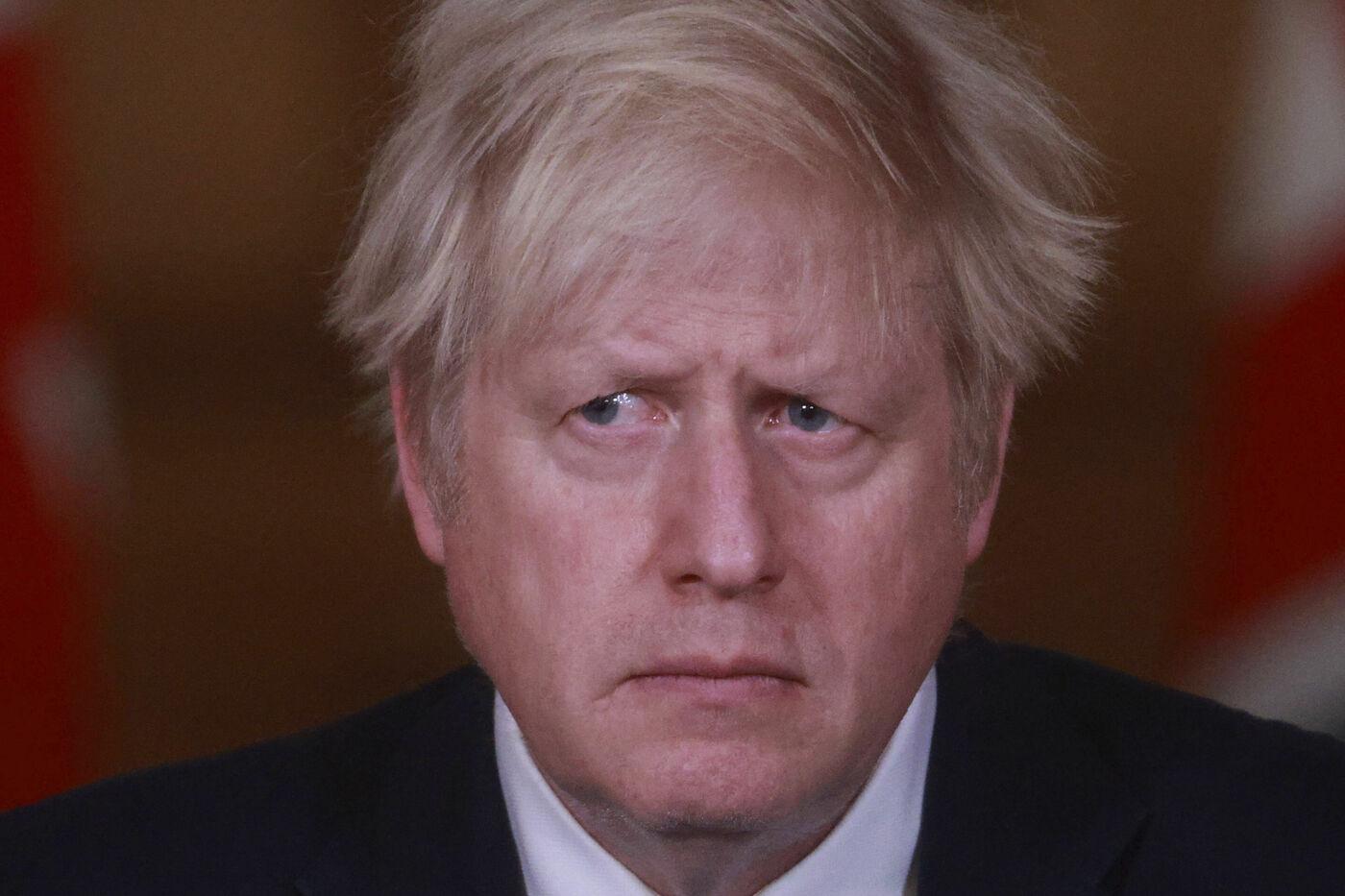 Covid, la conferenza stampa di Boris Johnson sulle nuove restrizioni in Gran Bretagna