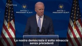 """Assalto al Campidoglio, Biden: """"Democrazia sotto minaccia senza precedenti"""""""