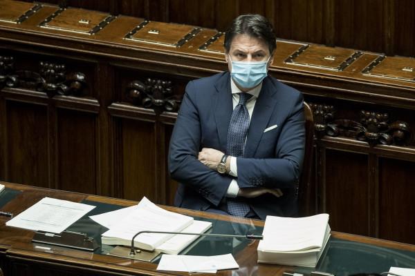 Conte-Renzi è stallo. Senza dimissioni premier, crisi al buio vicina