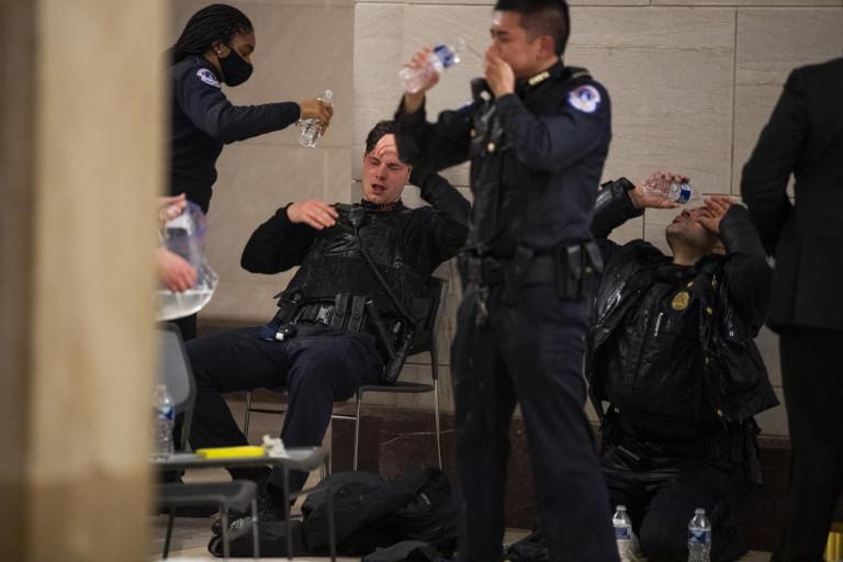 Irruzione a Capitol Hill dei manifestanti a favore di Trump