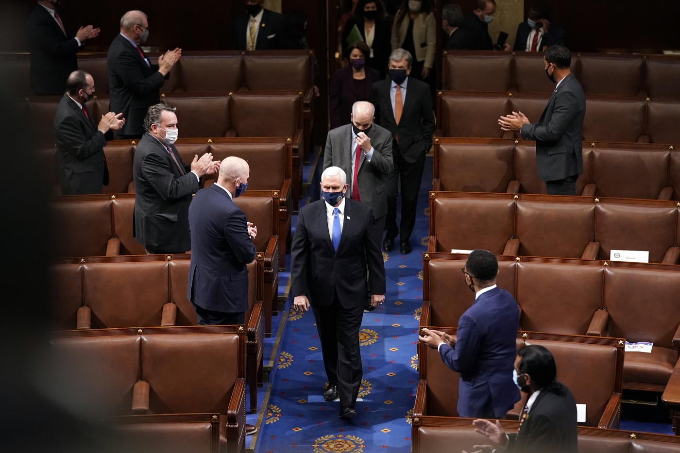 Washington DC, il Congresso statunitense riprende la seduta per certificare la vittoria di Joe Biden
