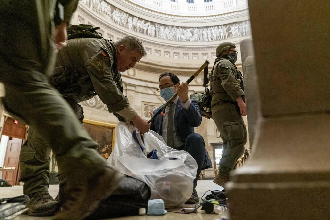 Usa, le immagini dell'assalto al Congresso dei sostenitori di Trump
