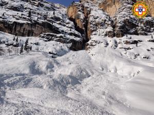 Cortina, valanga nel Bellunese: recuperato il corpo senza vita di uno sciatore