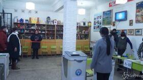 Kirghizistan, seggi aperti per le elezioni presidenziali