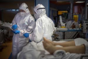 Coronavirus Italia, i medici eroi della prima ondata 8 mesi dopo
