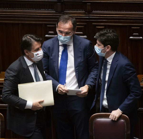 Coronavirus, comunicazioni del Presidente Conte in Parlamento