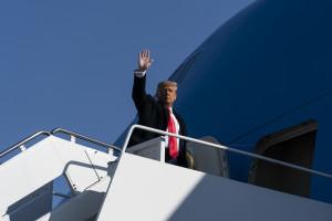 Usa, Trump in viaggio verso il Texas per pubblicizzare la costruzione del muro di confine