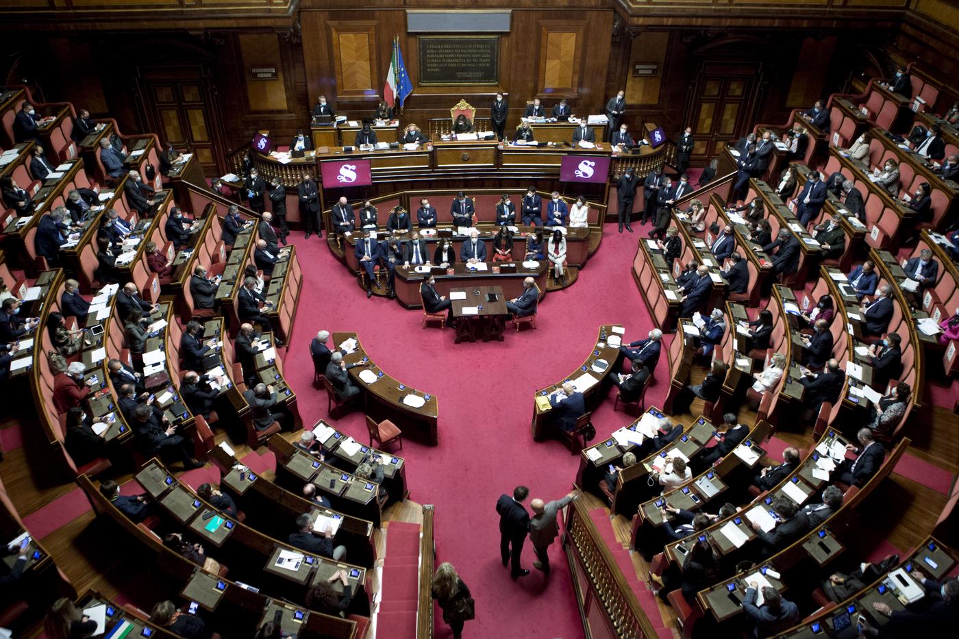 Senato - Comunicazioni del Presidente del Consiglio Giuseppe Conte sulla situazione politica