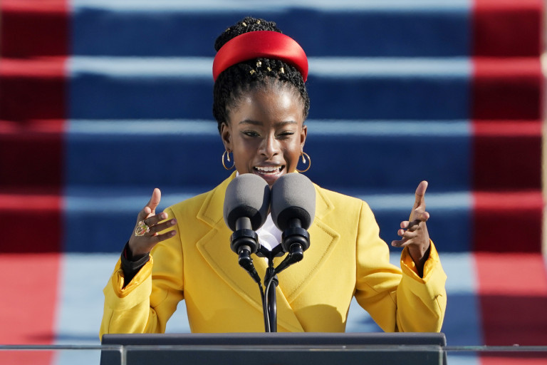 Amanda Gorman. Inauguration Day, Washington barricata: è il giorno di Biden
