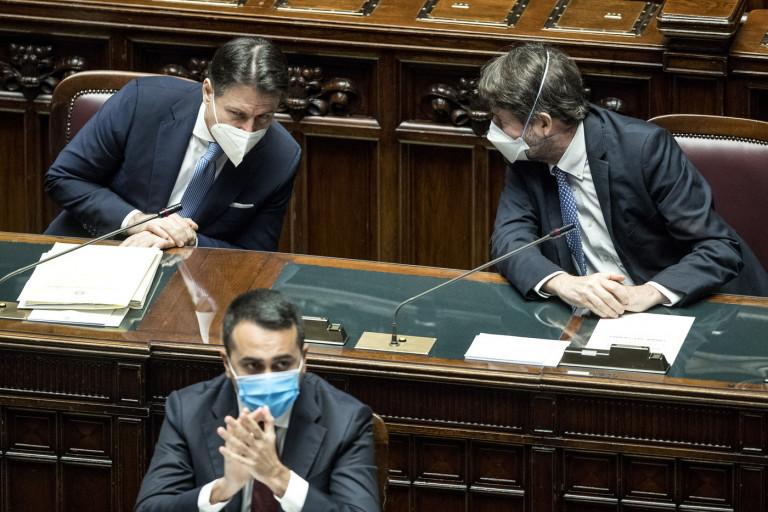 Camera dei Deputati - Comunicazioni del Presidente del Consiglio sulla situazione politica