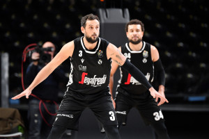 Basket, Virtus Bologna-Olimpia Milano: l'esordio di Belinelli