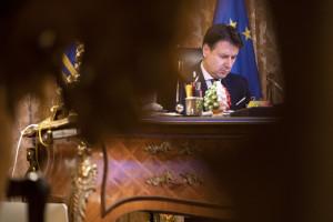 Giuseppe Conte durante il video summit dei leader degli Stati membri dell'Ue sulla pandemia di Covid-19
