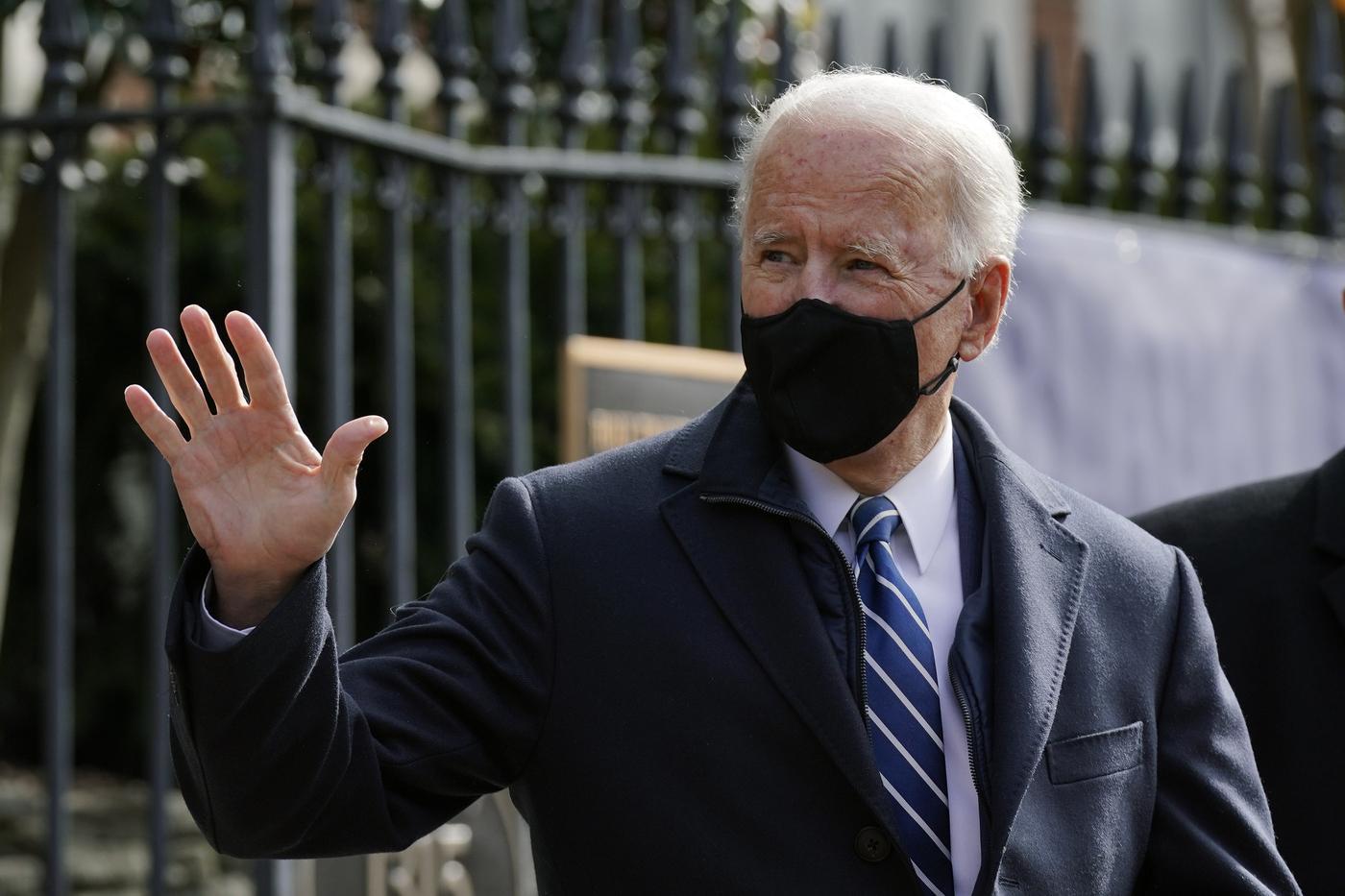 Washington, il presidente Usa Joe Biden partecipaalla messa nella chiesa della Santa Trinità