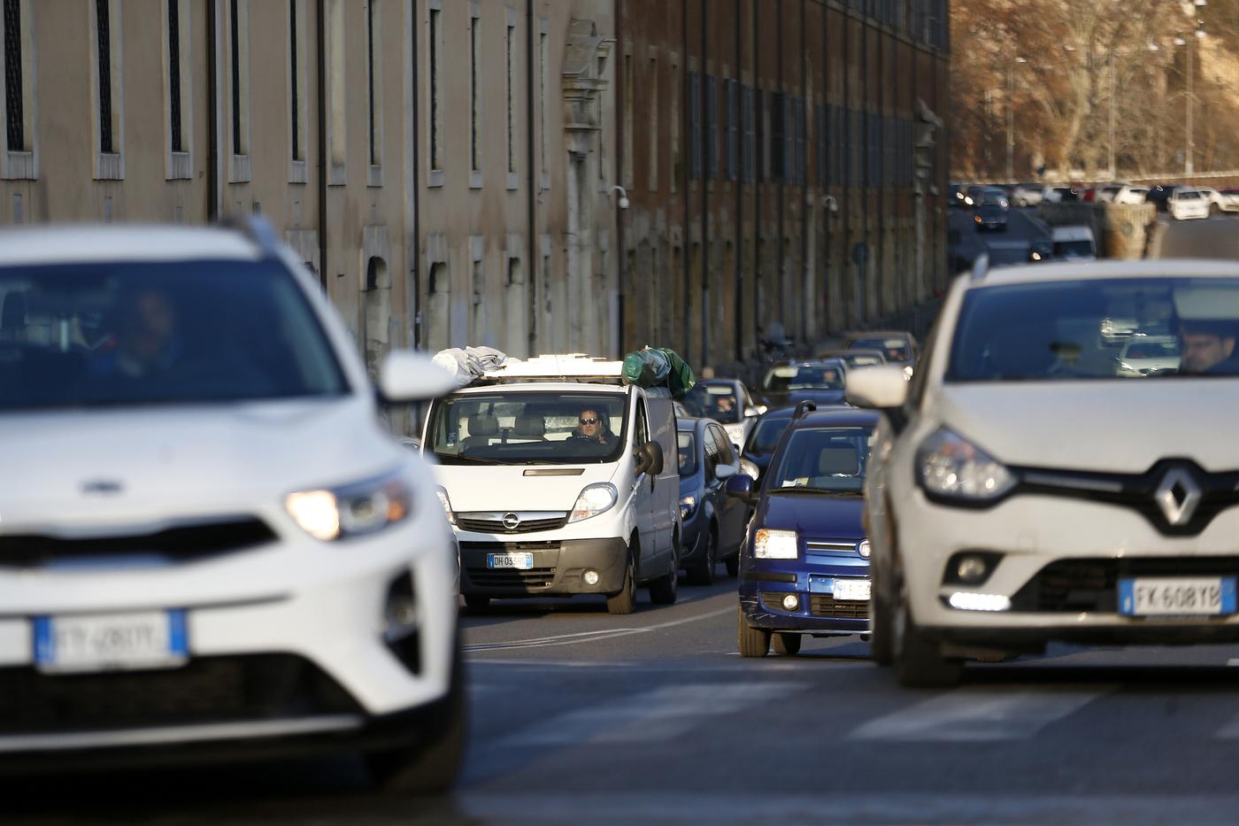 Emergenza inquinamento Stop Euro Diesel 3-4-5-6 per livelli alti di PM10
