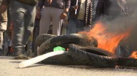 Manifestanti in strada contro il primo ministro Khadga