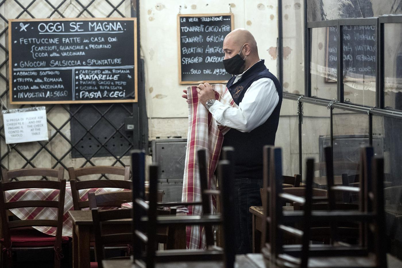 Bar e ristoranti chiudono alle 18.00 in ottemperanza al Dpcm anti Covid-19