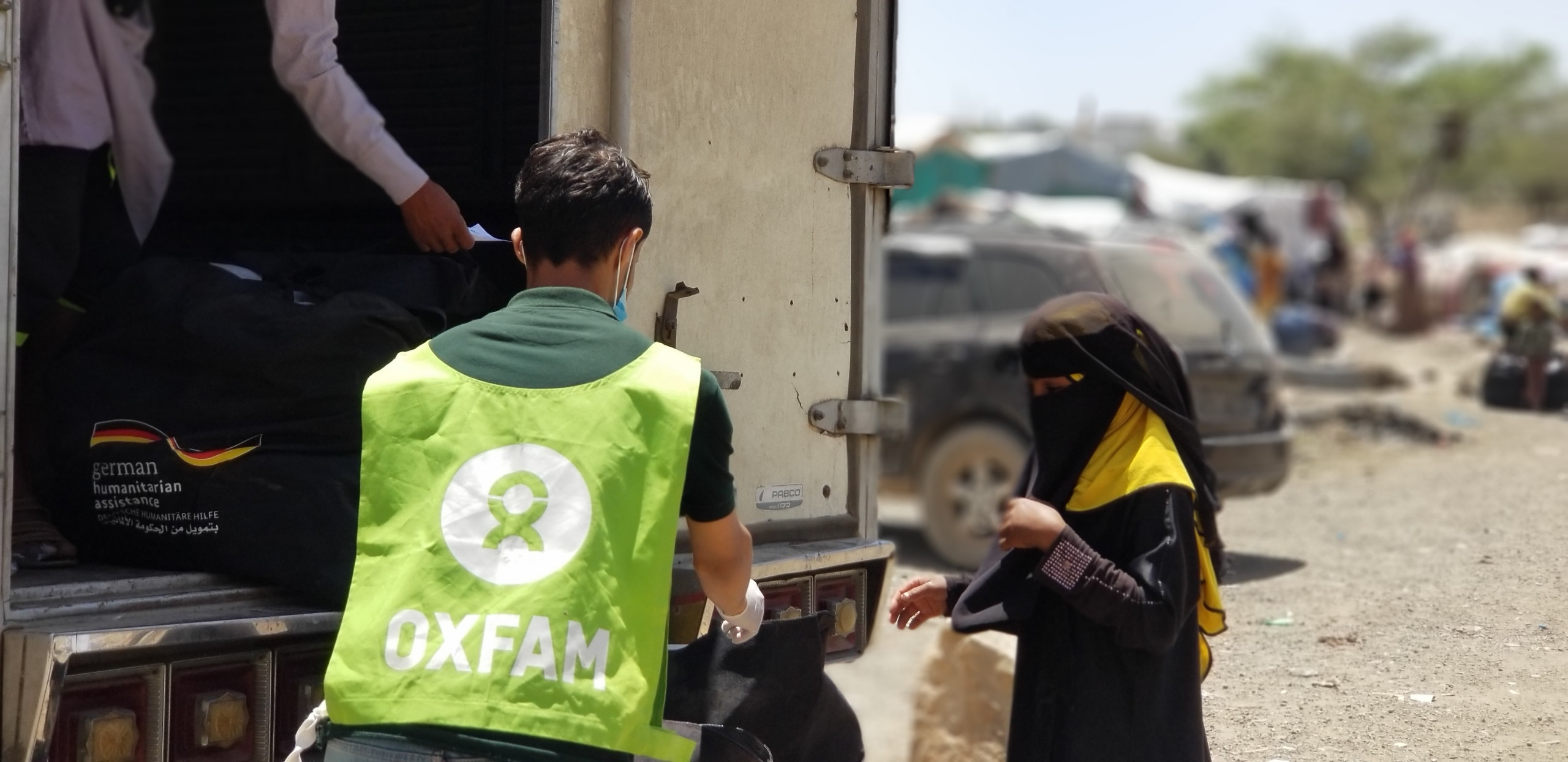Oxfam_vaccini