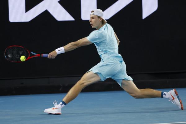 Australian Open 2021: fuori Sinner, passa Shapovalov