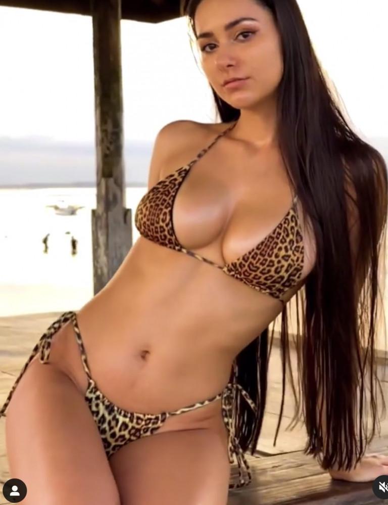 Helga Lovekaty bikini leopardato