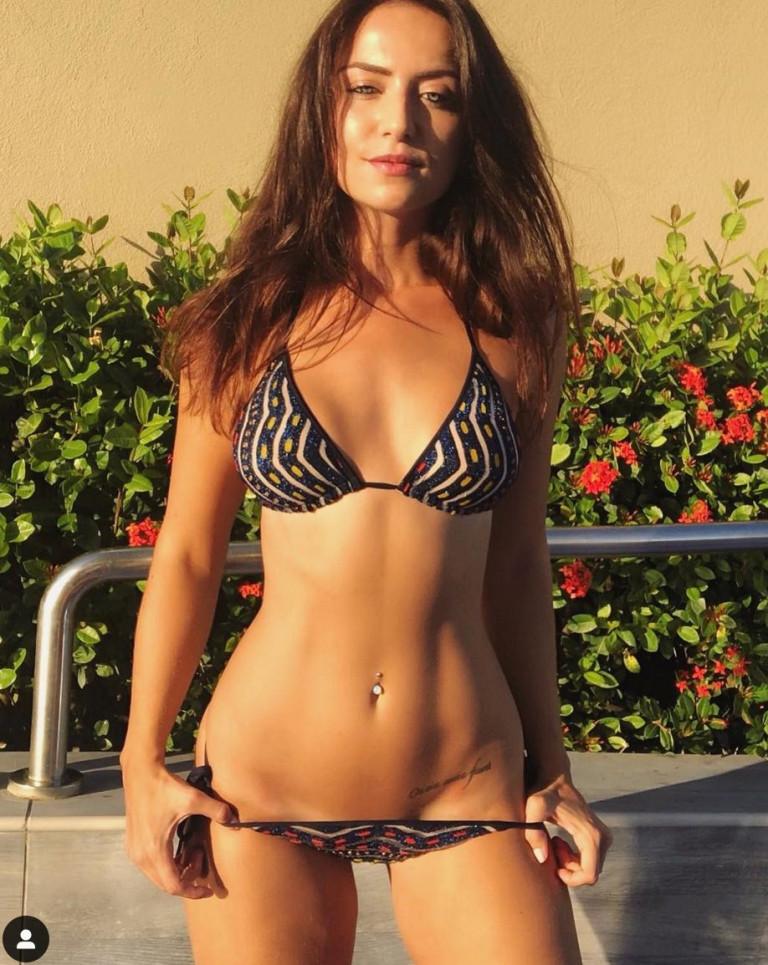 Lydia Farley sexy bikini