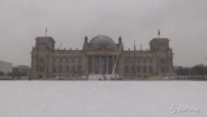 Berlino sotto una spessa coltre bianca