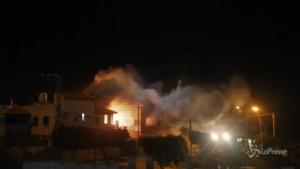 Israele, polizia demolisce la casa di un sospetto omicida