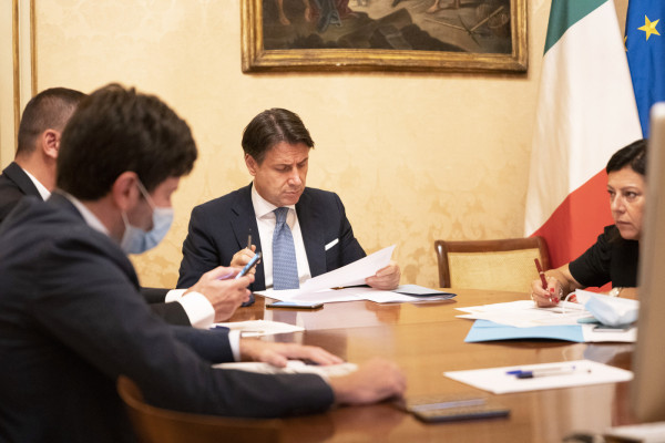 Scuola: al via riunione Conte-ministri a Palazzo Chigi