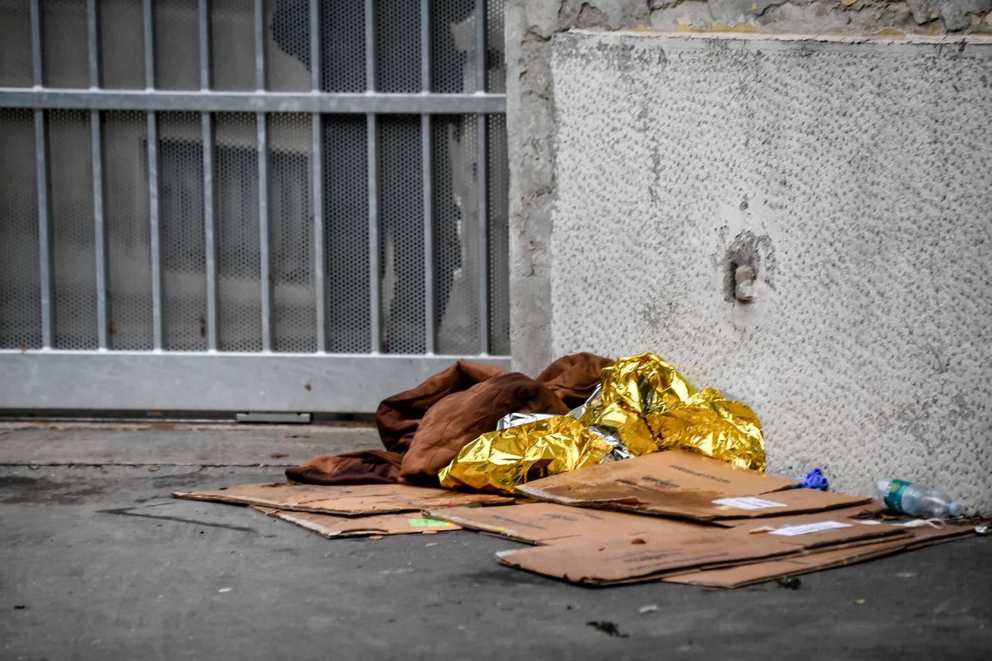 Milano, cadavere davanti al Fatebenefratelli: indaga la polizia