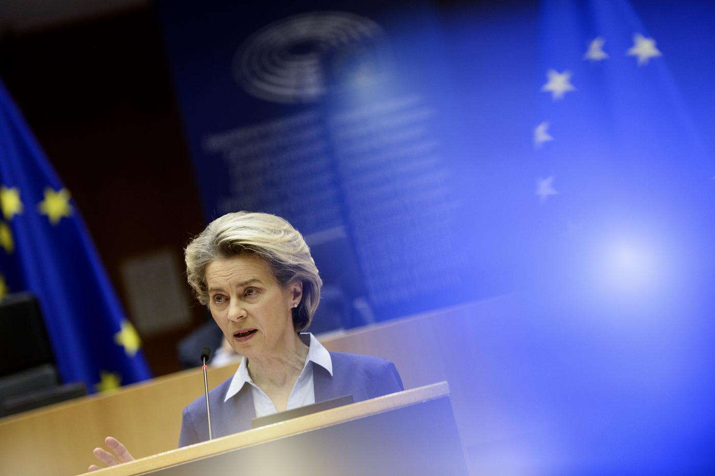 Bruxelles, Ursula Von der Leyen alla plenaria del Parlamento europeo