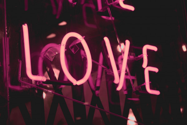 San Valentino, Spotify-Tinder: ecco la musica dell'amore in Italia