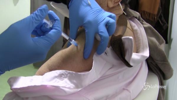 Al via i vaccini over 80 a Napoli