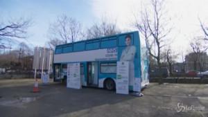 Londra, vaccino sul bus