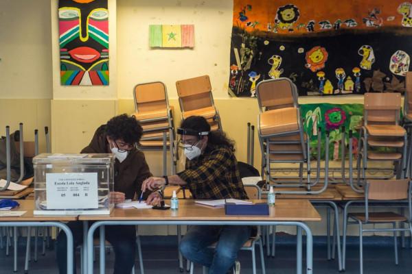 Catalogna, il blocco indipendentista vince le elezioni generali