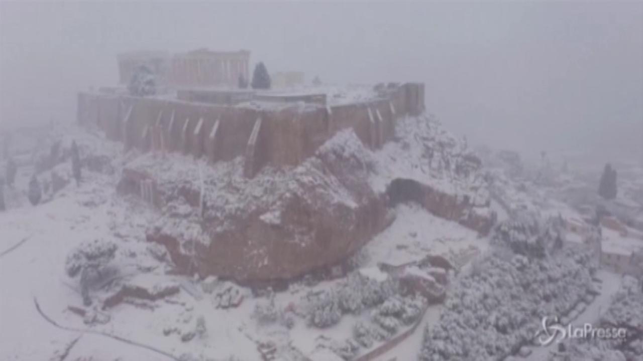 Nevicata ad Atene