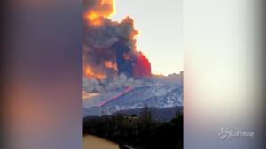Sicilia, Etna erutta