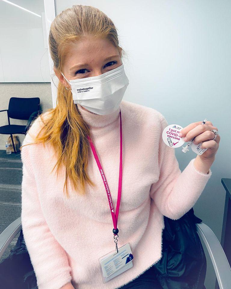 jennifer, la figlia di Bill Gates si vaccina