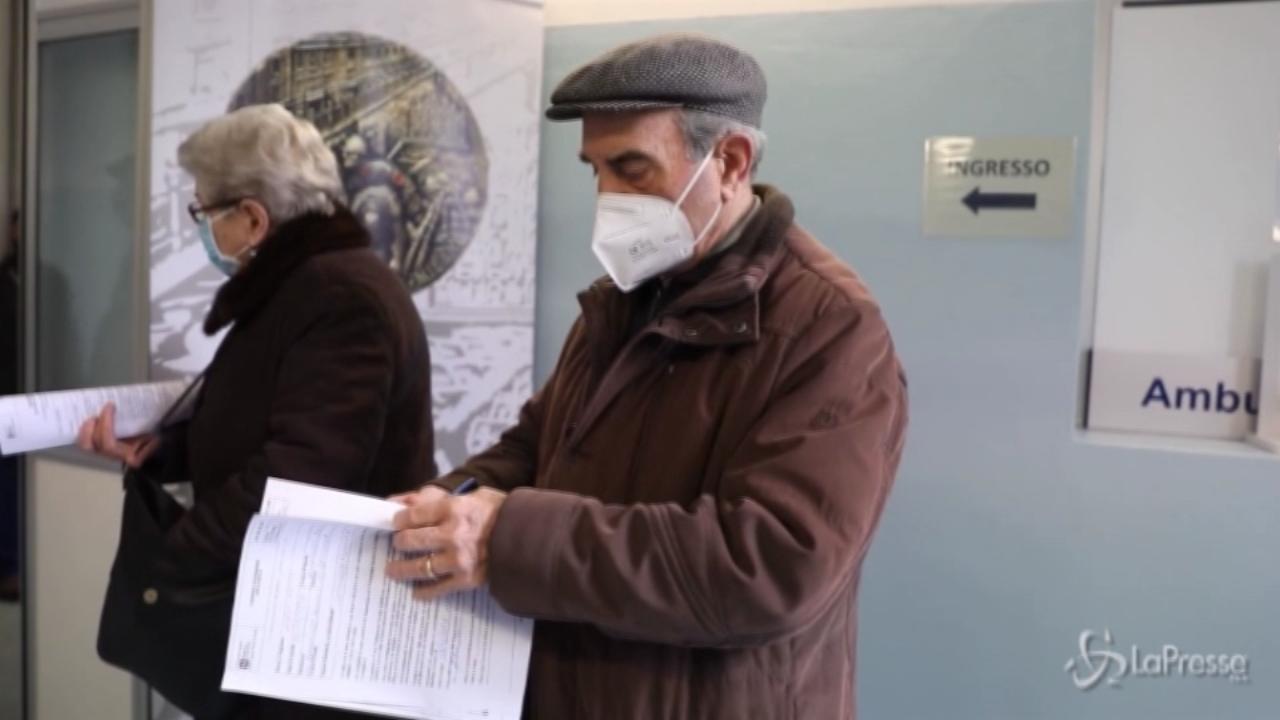 Ospedale Militare di Baggio vaccinati anche due over 100