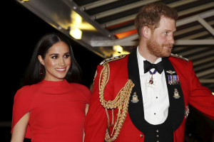 Gb, la Regina priva Harry e Meghan di titoli e incarichi come patroni