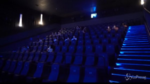 Covid-19, a Santiago riaprono i cinema