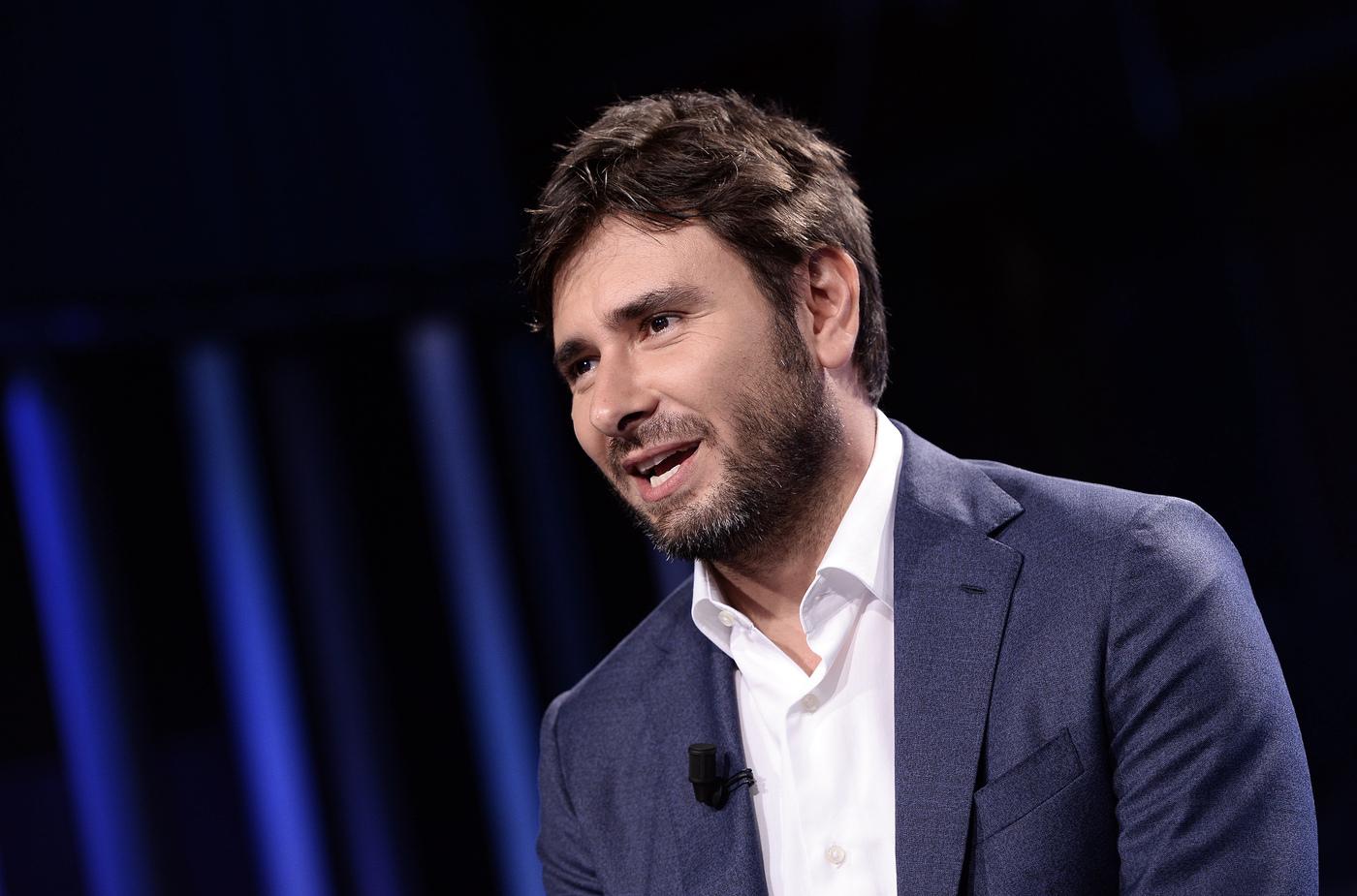 Governo, Di Battista: Salvini un pavido, ha paura di governare