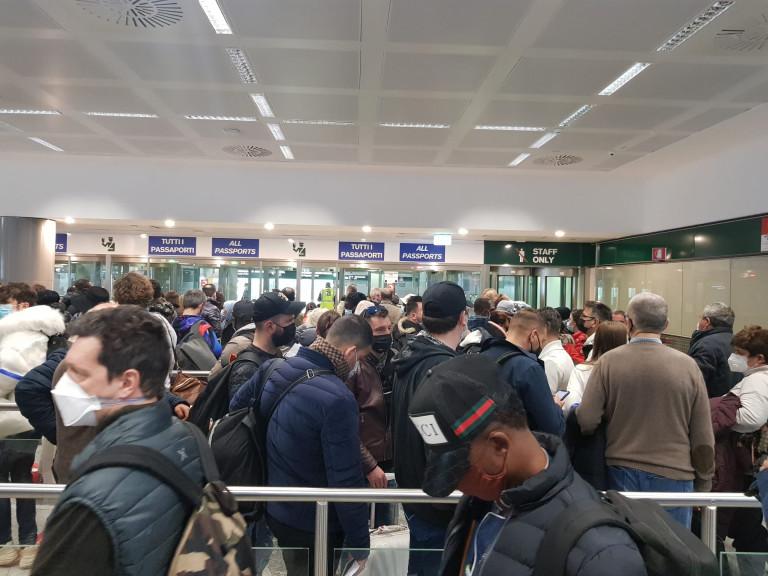 Code e assembramenti Aeroporto di Malpensa