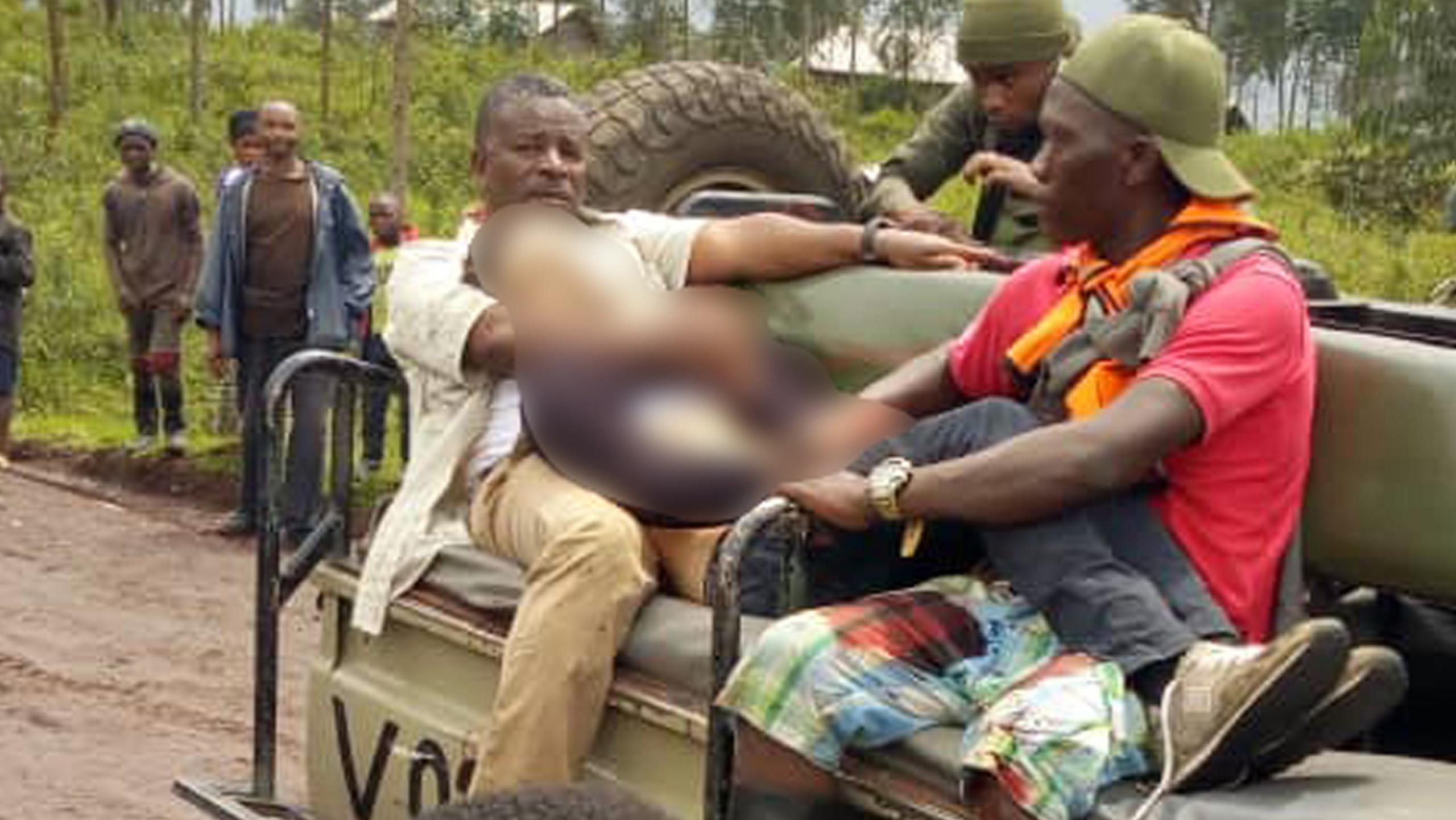Il corpo dell'ambasciatore dopo l'attentato in Congo