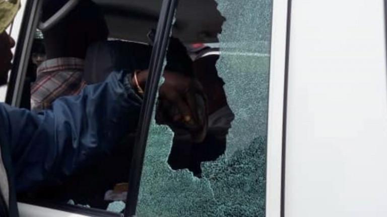 Foto auto distrutta in Congo