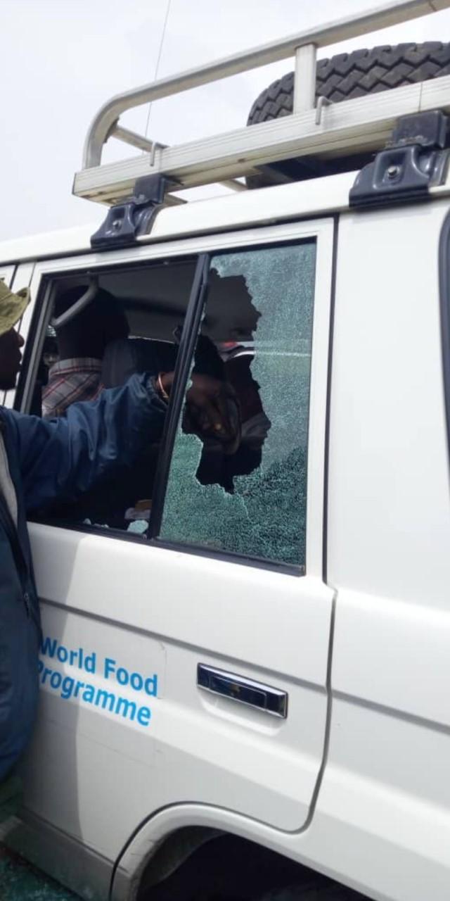 Foto auto distrutta ambasciatore Attanasio colpito dopo l'imboscata