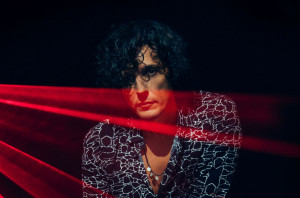 Sanremo, Ermal Meta: Mi sono sentito invisibile. Oggi Festival unico palco