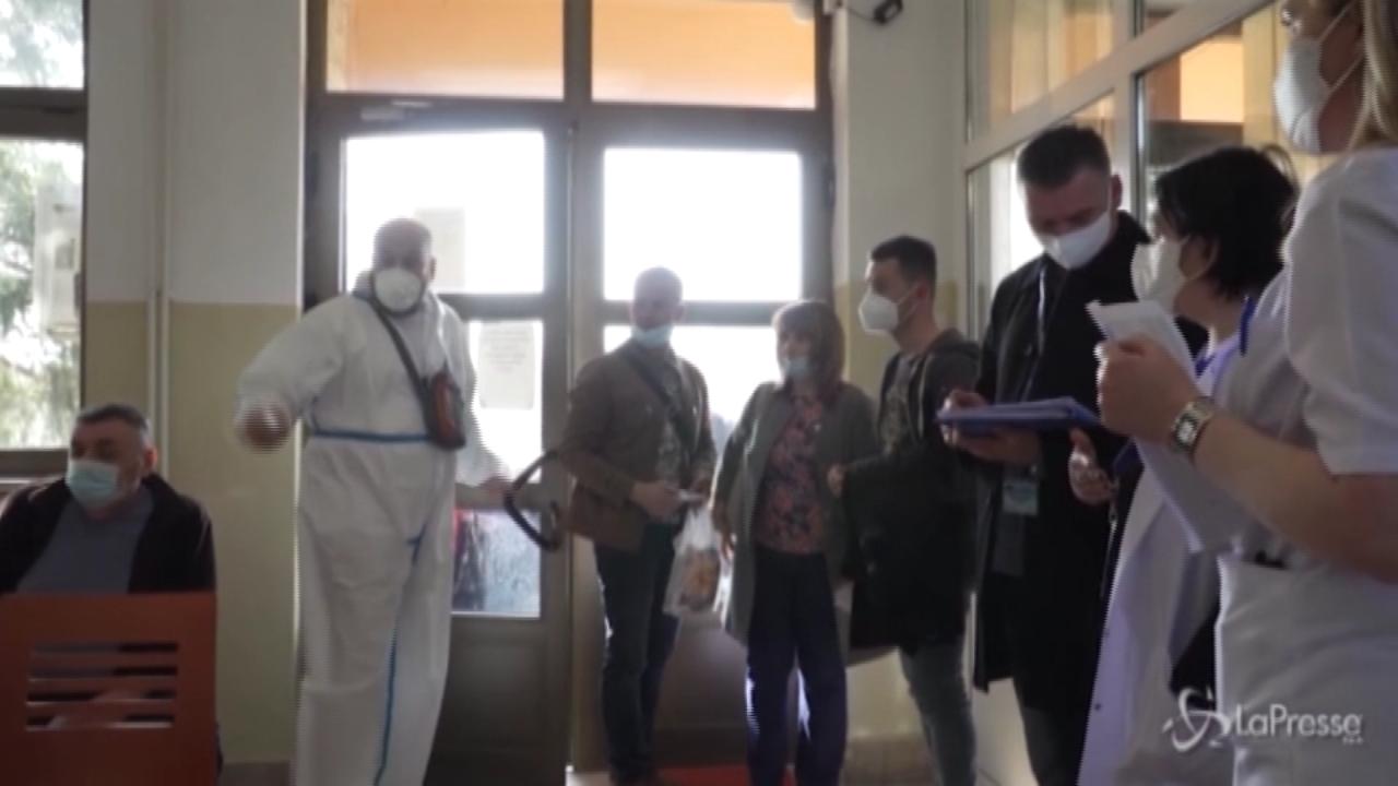 Belgrado vaccina i serbi del Kosovo